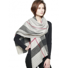 **Plaid Pattern Pleated Scarf